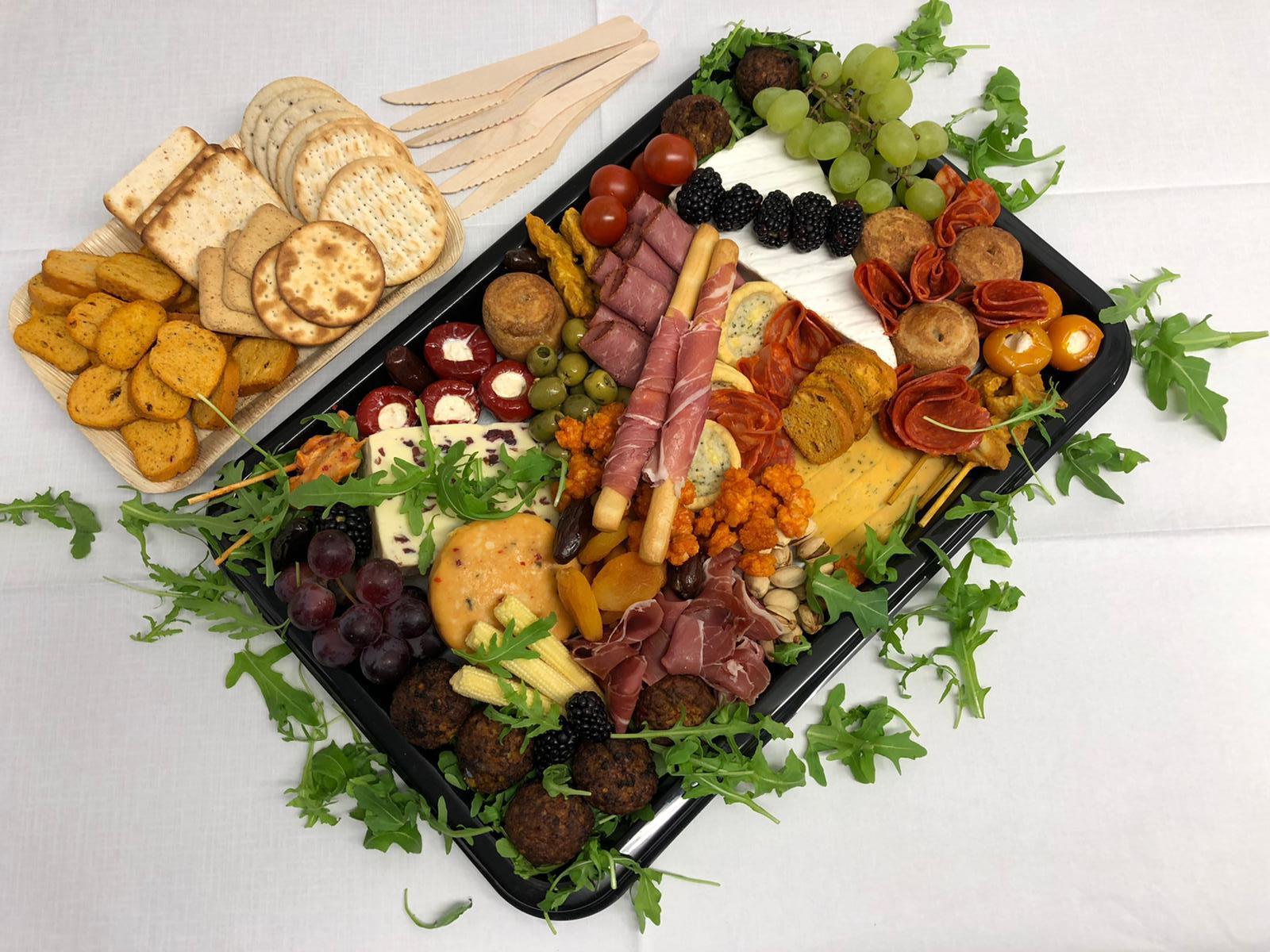 Platters & Hampers